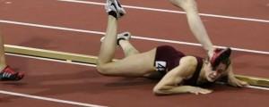 atleta se cae de cara carrera