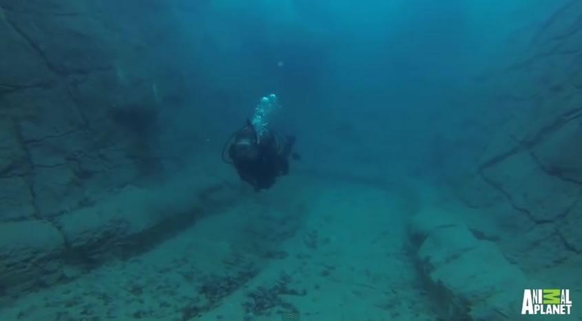 piscina mas cara del mundo - submarinismo
