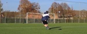 tecnica para patear tiro libre con efectos impresionantes en el futbol