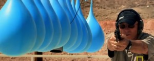 globos de agua versus pistola quien ganara