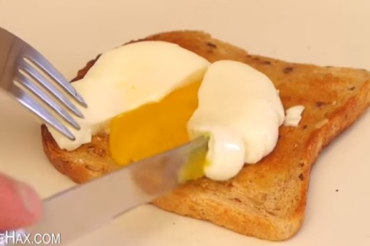 truco para preparar huevos poche o huevos escalfados facil
