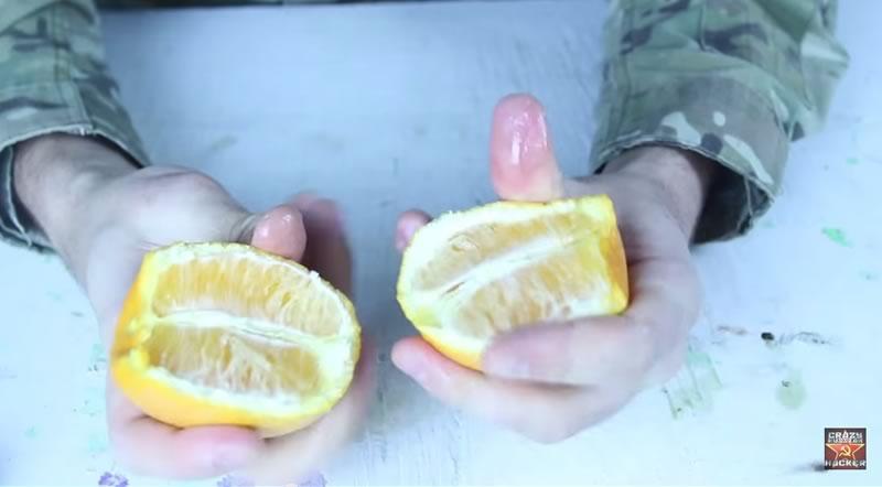 truco para pelar una naranja con las manos - 04